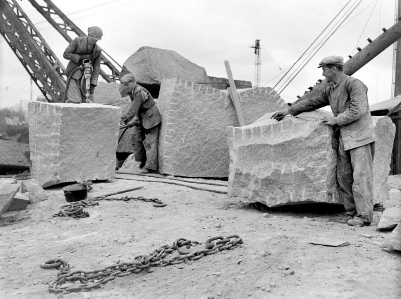 Granite Building Blocks Prepare a Granite Block to